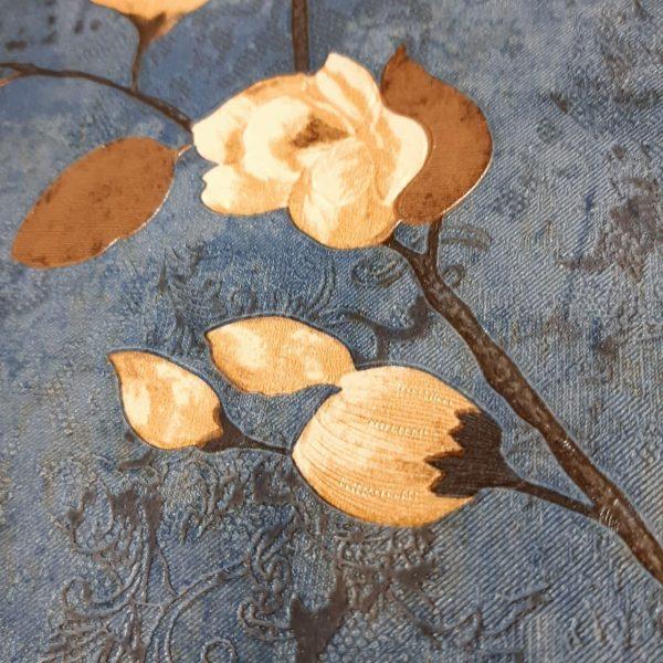 کاغذ دیواری آبی با گل کرم