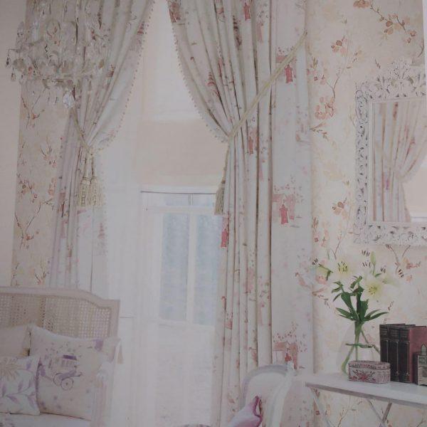 دکوراسیون داخلی اتاق خواب با کاغذ دیواری